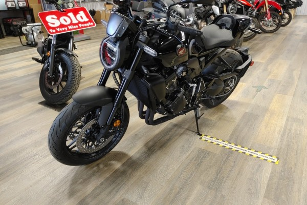 Motorcycle honda cb1000r